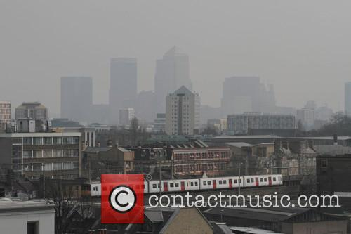 Smog covers London's skyline