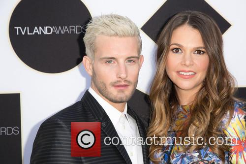Nico Tortorella and Sutton Foster 1