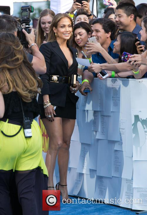 Jennifer Lopez and Fans 2