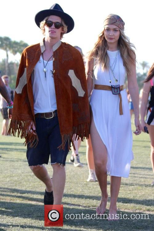 Gigi Hadid and Cody Simpson 7