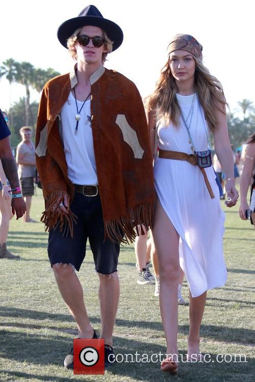 Gigi Hadid and Cody Simpson 1
