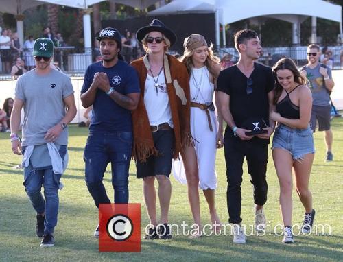 Gigi Hadid and Cody Simpson 9