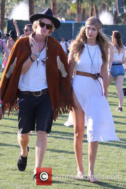 Gigi Hadid and Cody Simpson 10