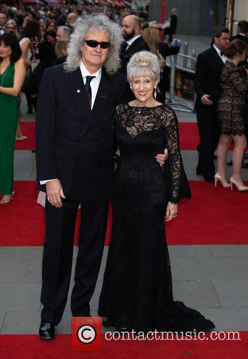 Brian May and Anita Dobson 9