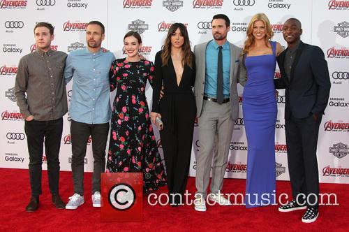 Elizabeth Henstridge, Chloe Bennet, Brett Dalton, Adrianne Palicki and B.j. Britt 7