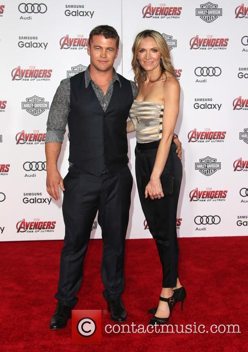 Luke Hemsworth and Samantha Hemsworth 2