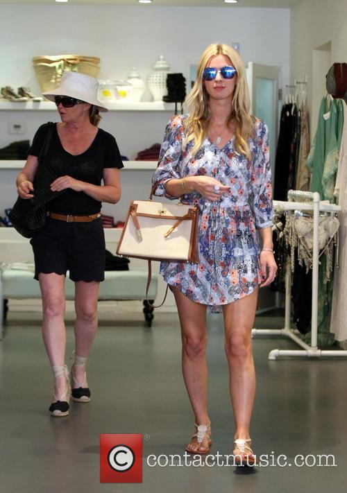 Nicky Hilton and Kathy Hilton 6