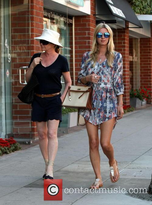 Nicky Hilton and Kathy Hilton 9