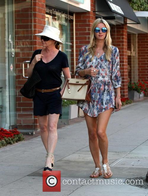 Nicky Hilton and Kathy Hilton 10
