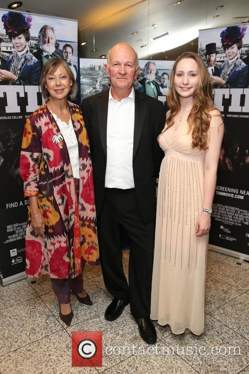 Jenny Agutter, Bill Scott and Helen Bendell 9