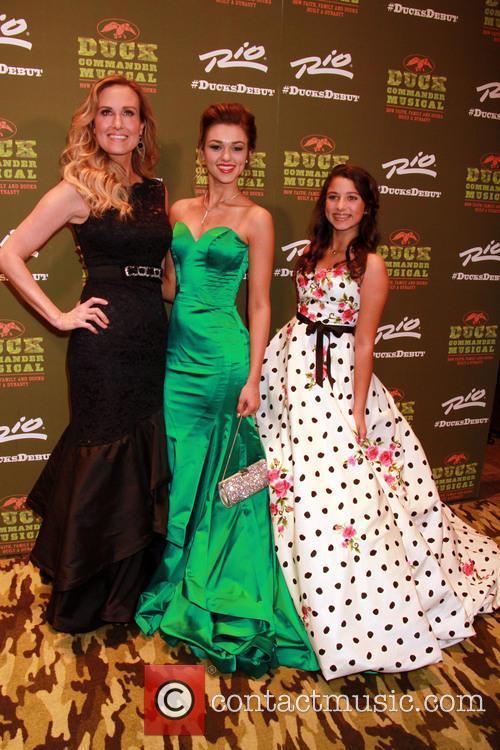 Korie Robertson, Sadie Robertson and Bella Robertson 3