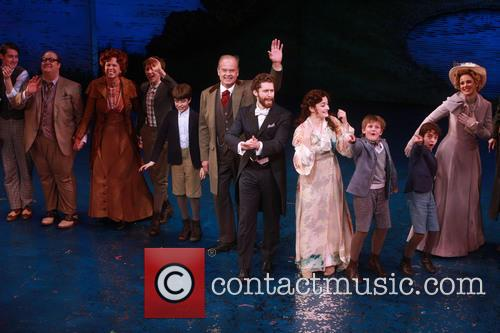 Carolee Carmello, Kelsey Grammer, Matthew Morrison, Laura Michelle Kelly and Teal Wicks 3