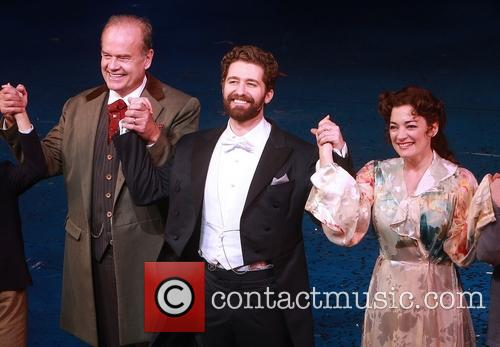 Kelsey Grammer, Matthew Morrison and Laura Michelle Kelly 5
