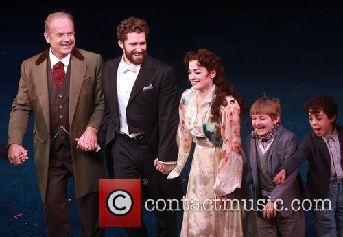 Kelsey Grammer, Matthew Morrison and Laura Michelle Kelly 9