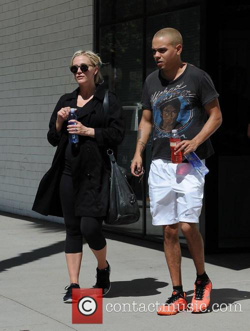Ashlee Simpson and Evan Ross 6