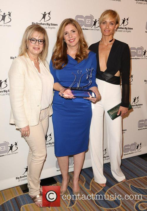 Laura Lizer, Nicole Lorey and Amber Valletta 3