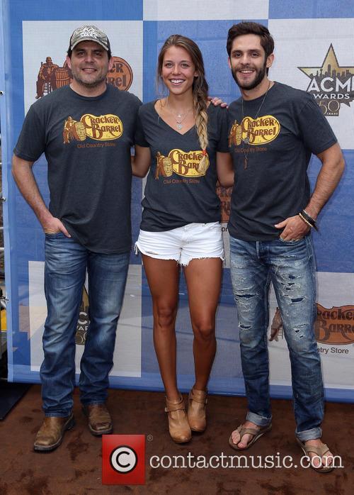 Rhett Akins, Lauren Akins and Thomas Rhett 2