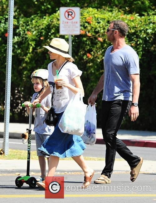 Samuel Kai Schreiber, Naomi Watts and Liev Schreiber 5