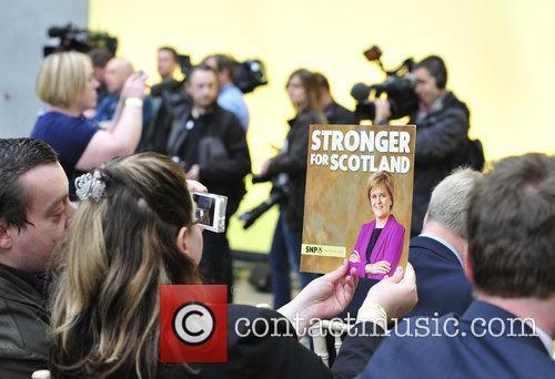Atmosphere and Nicola Sturgeon 4