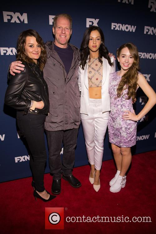 Alison Wright, Noah Emmerich, Annet Mahendru and Holly Taylor 5