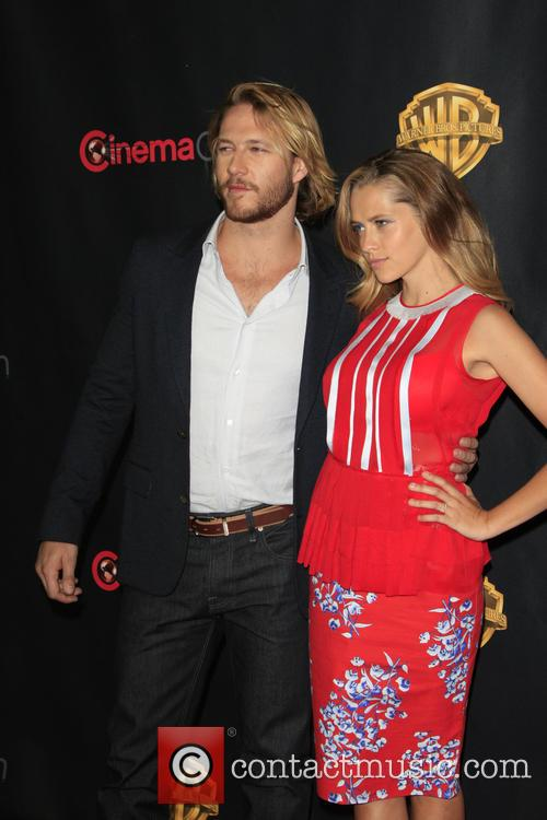 Luke Bracey and Teresa Palmer 3