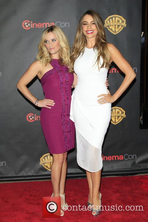 Reese Witherspoon and Sofia Vergara 4
