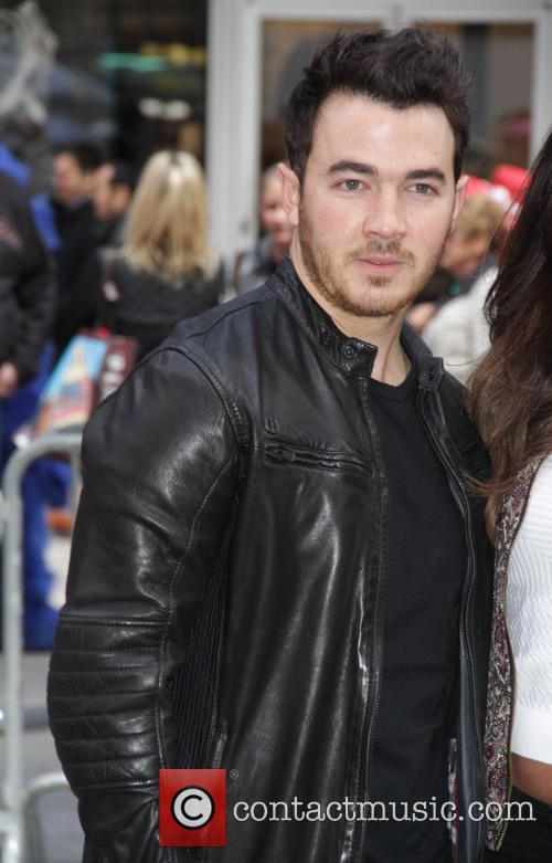 Kevin Jonas and Danielle Jonas 5