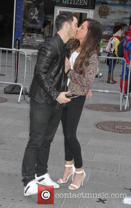 Kevin Jonas and Danielle Jonas 7