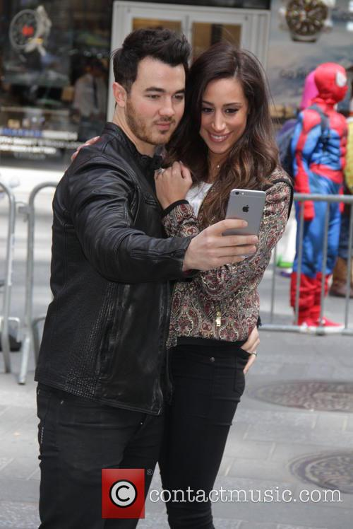 Kevin Jonas and Danielle Jonas 8