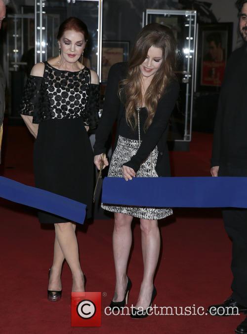 Priscilla Presley and Lisa Marie Presley 3