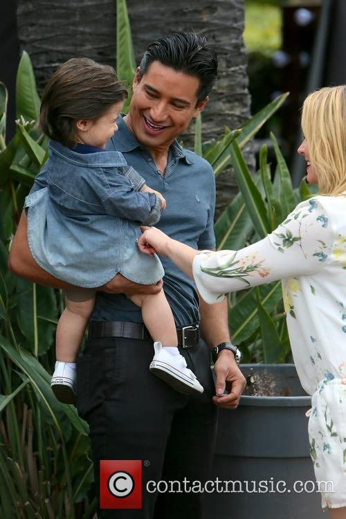 Mario Lopez, Dominic Lopez and Melissa Joan Hart 5