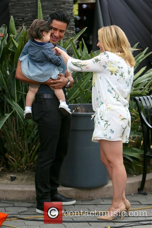 Mario Lopez, Dominic Lopez and Melissa Joan Hart 6