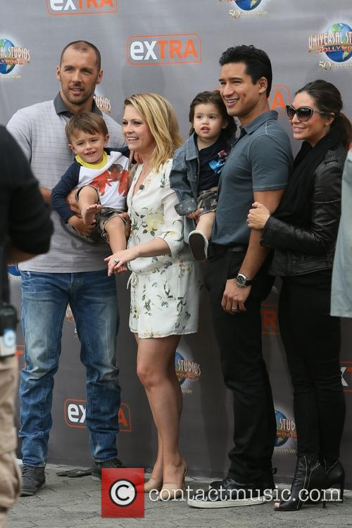 Mark Wilkerson, Melissa Joan Hart, Tucker Wilkerson, Dominic Lopez, Mario Lopez and Courtney Mazza 7