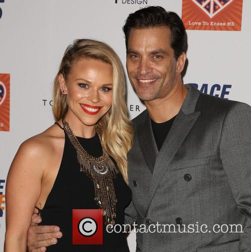 Julie Solomon and Johnathon Schaech 3