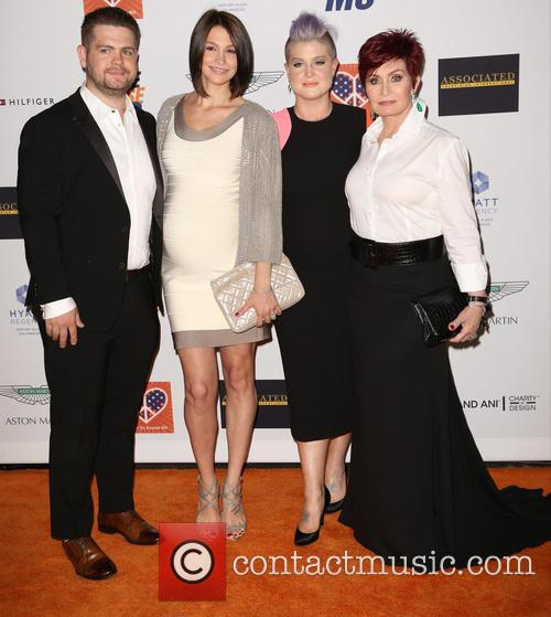 Jack Osbourne, Lisa Stelly, Kelly Osbourne and Sharon Osbourne 4