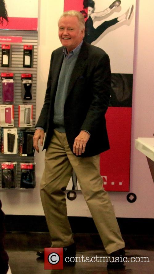Jon Voight goes shopping at T-Mobile