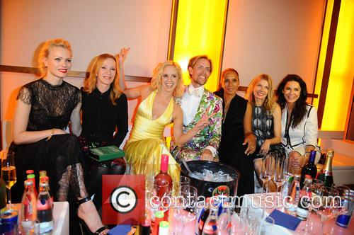 Franziska Knuppe, Katja Flint, Isabel Edvardsson, Jens Hilbert, Barbara Becker, Ursula Karven and Mariella Ahrens 1
