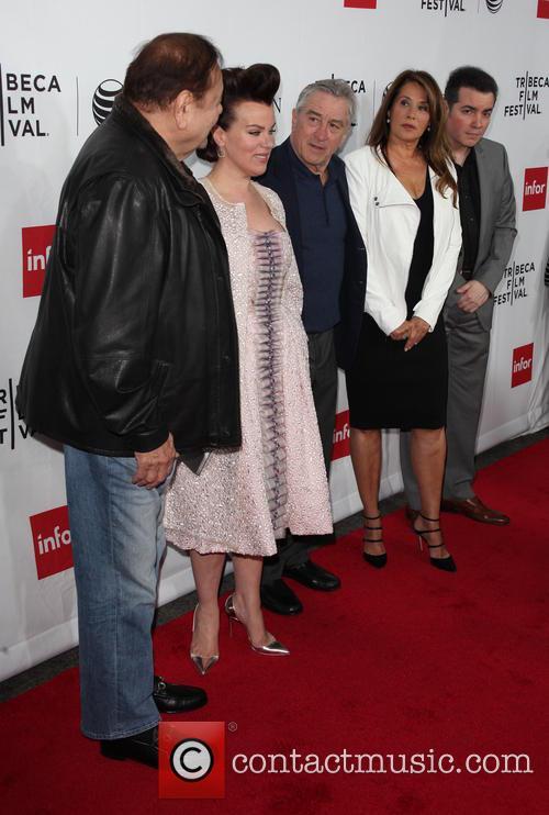 (l-r) Actors Paul Sorvino, Debi Mazar, Robert De Niro, Lorraine Bracco and Kevin Corrigan 2