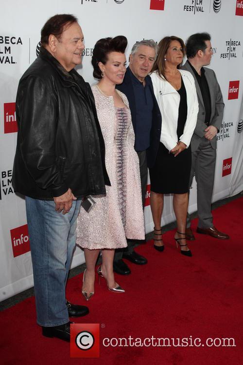 (l-r) Actors Paul Sorvino, Debi Mazar, Robert De Niro, Lorraine Bracco and Kevin Corrigan 1