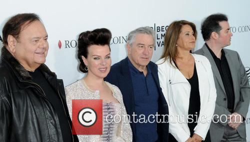 Paul Sorvino, Debi Mazar, Robert De Niro, Lorraine Bracco and Kevin Corrigan 6