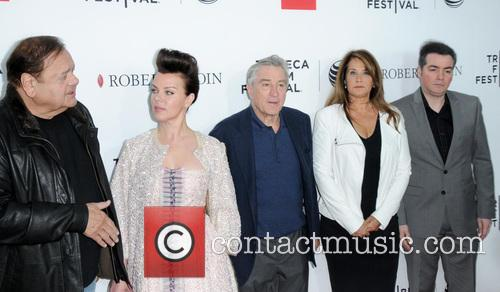 Paul Sorvino, Debi Mazar, Robert De Niro, Lorraine Bracco and Kevin Corrigan 7