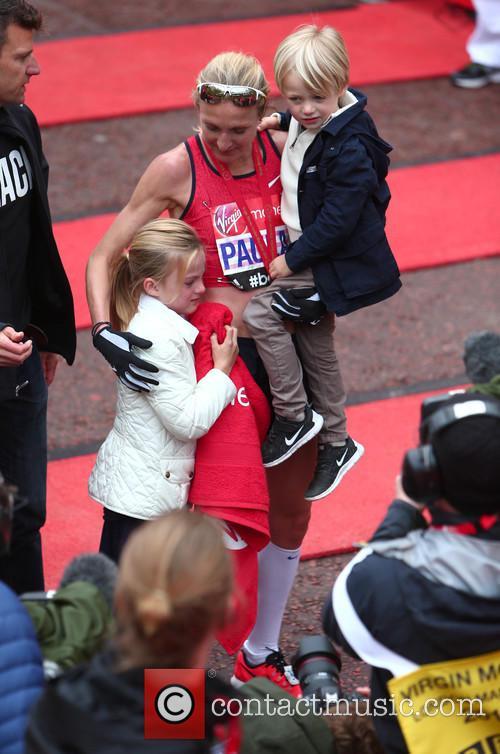 Paula Radcliffe, Raphael Lough and Isla Lough 8