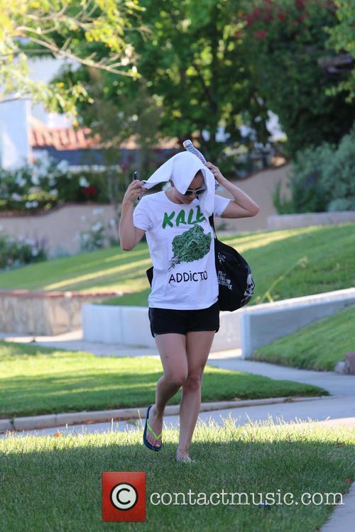 Kaley Cuoco 7