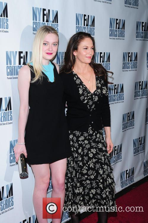 Dakota Fanning and Diane Lane 4