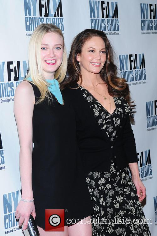 Dakota Fanning and Diane Lane 6