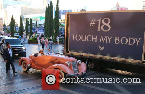 Mariah Carey makes her grand arrival at Caesars...