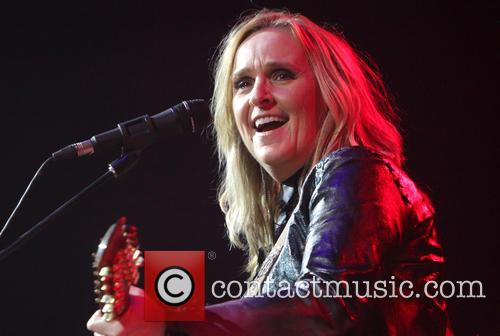 Melissa Etheridge performs live