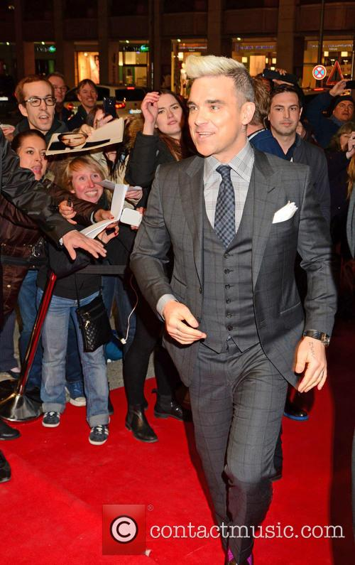 Robbie Williams and Fans 3