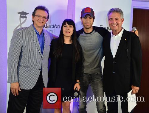 Gabriel Abaroa Jr., Luis Santiago, Silviana Itzel Salinas-reyna, Enrique Iglesias and Manolo Diaz 3