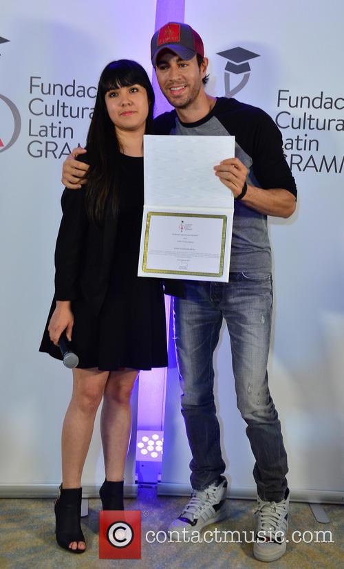 Silviana Itzel Salinas-reyna and Enrique Iglesias 4